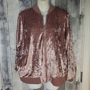 A New Look blush crushed velvet bomber jacket 2x